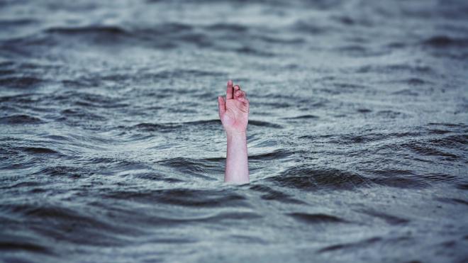 На проспекте Ветеранов в реке Дудергофка нашли утопленника-мигранта