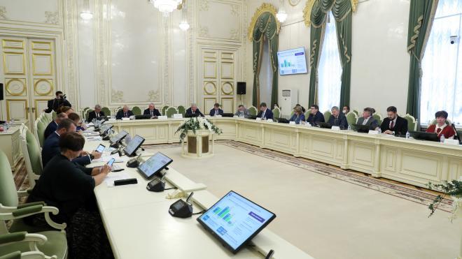 Депутаты прогнозируют сохранение дефицита бюджета Петербурга до 2023 года