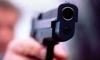 Ограбление Сбербанка попало на камеры наблюдения. Преступник заводит сотрудницу в хранилище под дулом пистолета