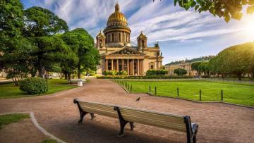"""В Петербург возвратят """"ленинградские диваны"""""""