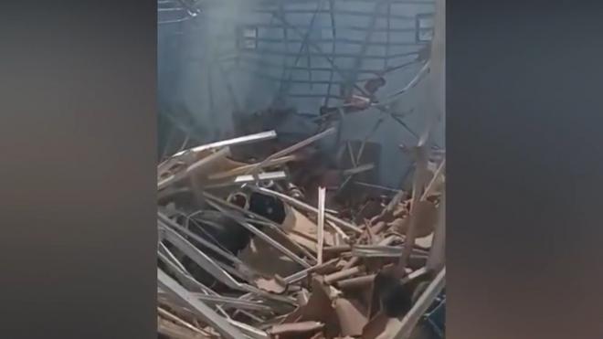 Землетрясение в Индонезии разрушило больницу