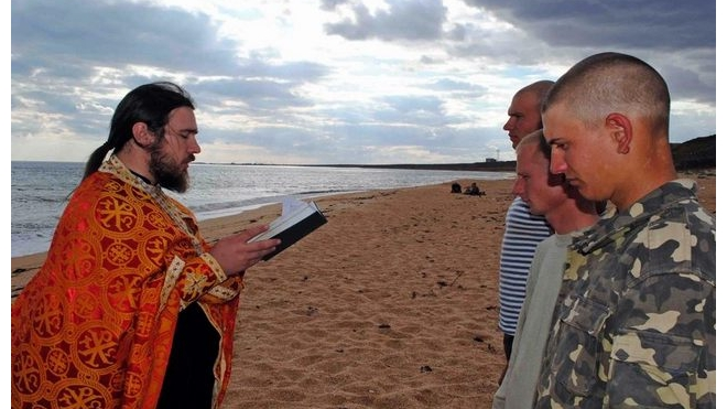 Красноярские призывники смогут принимать крещение прямо в военкомате