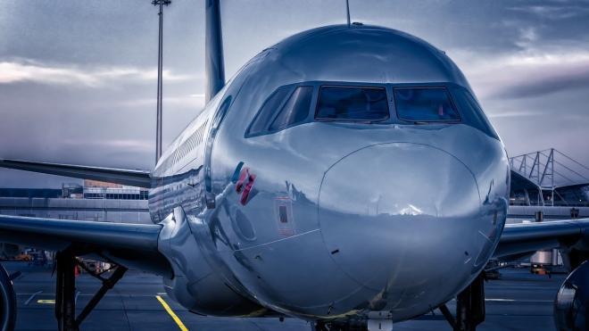 На борту самолета Симферополь - Москва внезапно умерла пассажирка из Москвы