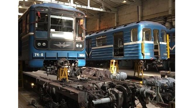Легендарный вагон вскоре снова будет перевозить пассажиров метро Петербурга