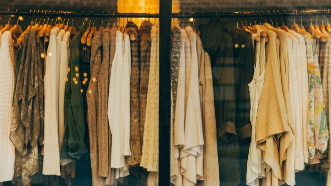 Петербуржцы перестали покупать одежду в период коронавируса