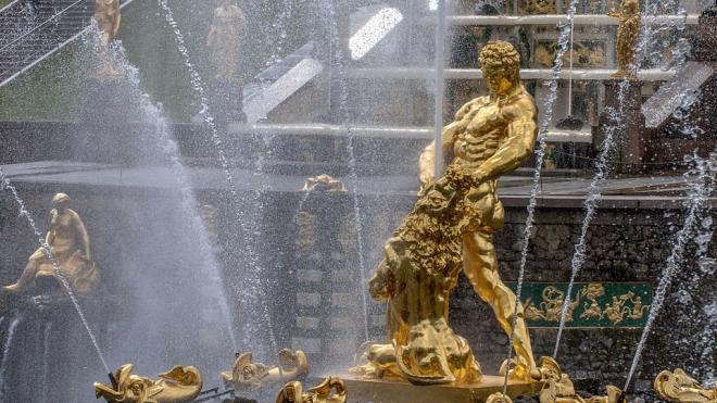 С 28 апреля музей-заповедник Петергоф перейдет на летний режим работы и запустит фонтаны