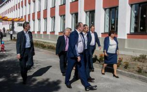 Геннадий Орлов и Роман Марков посетили в Выборге обновлённую школу №6