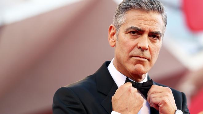 Клуни подаст в суд на журнал за публикацию снимков его детей-блинецов