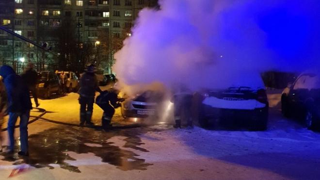 """На Малой Карпатской пожар от """"Опеля"""" перекинулся на """"Ауди"""""""
