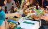 Диетолог Минздрава призывает россиян не ограничивать себя в еде на Новый год