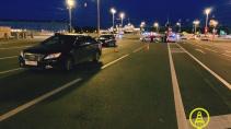 Два автомобиля сбили 4-летнюю девочку на Биржевой площади