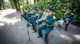 """Оркестр пожарных сыграл музыку """"огня и воды"""" в Летнем ..."""
