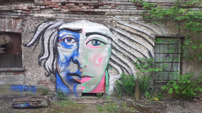 Промзону на Васильевском острове украсил новый стрит-арт