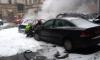 На Петроградской опять задымление: взрорвались два авто