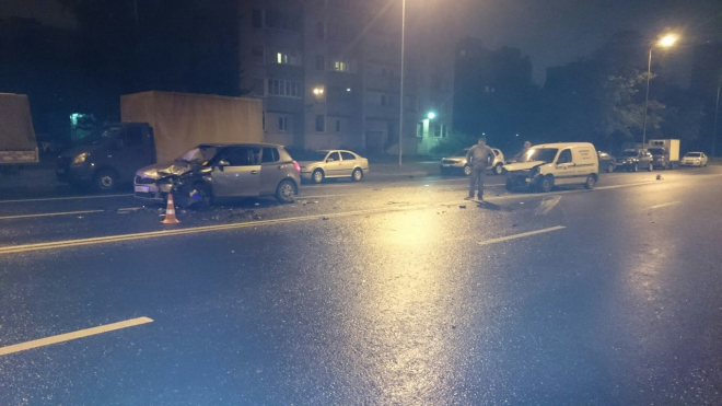 На Товарищеском проспекте произошла авария с пострадавшими