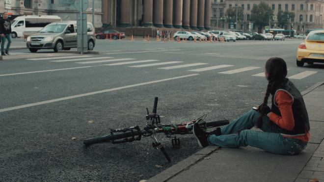 Фургон насмерть задавил велосипедистку в Ленобласти