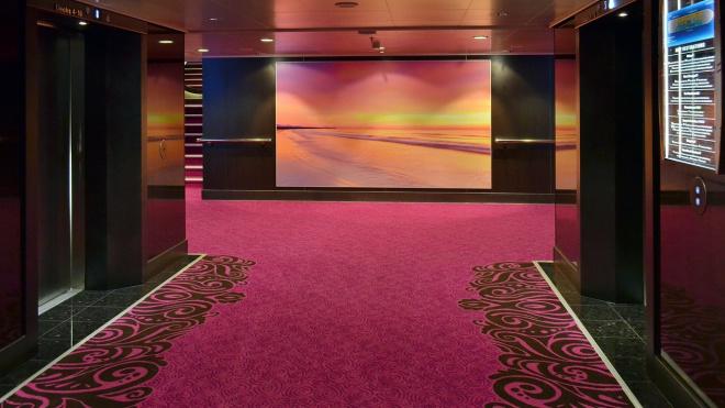В Выборге установили семь современных лифтов