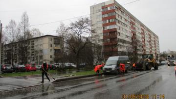 За 4 дня выходных дорожники вывезли из Петербурга 584 тонны мусора