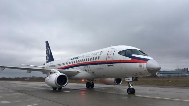 """Авиакомпания """"Россия"""" не смогла взять в лизинг два самолета SSJ-100"""