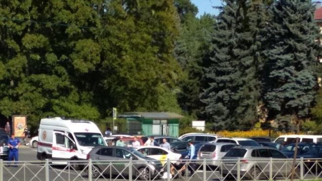 Мотоциклисту переломали ноги на набережной реки Карповки
