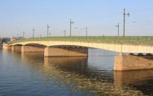 Из Невы выловили белоруса, прыгнувшего с Литейного моста