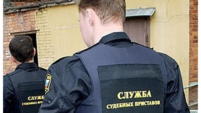 Семью петербуржцев насильно переселили в трехкомнатную квартиру