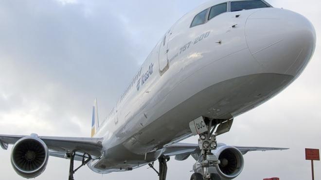 Пассажиры аварийного Боинга до сих пор не могут вылететь в Грецию