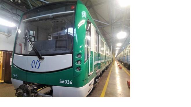 """Первый зеленый поезд прибыл в электродепо """"Автово"""""""