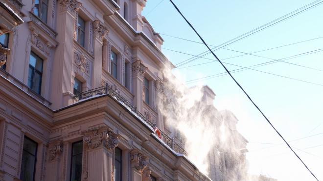 В Петербурге утилизировали рекордные 45 тысяч кубометров снега за сутки