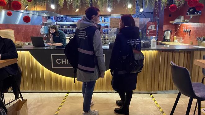 Петербургские фуд-корты выполняют антиковидные требования