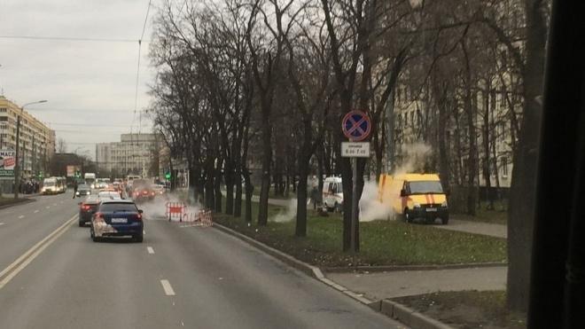 На улице Зины Портновой произошла коммунальная авария