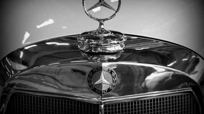 В Пушкине угнали Mercedes и спрятали его в Петербурге