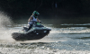 В Петербурге мужчина на гидроцикле врезался в берег стрелки Васильевского острова