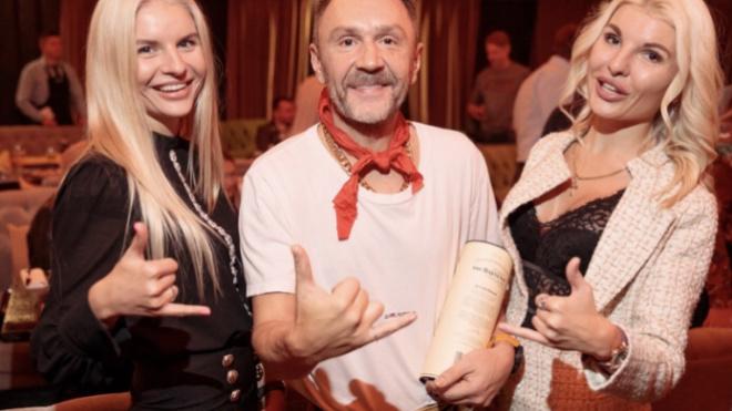 Роман Шнурова и его новой жены начался еще год назад