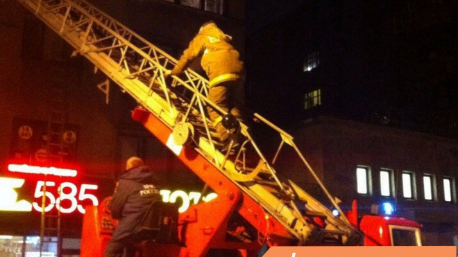 Горящую квартиру в Токсово тушили 12 пожарных в течение часа
