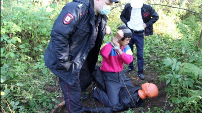 Приезжий изнасиловал и убил дачницу в Ленинградской области