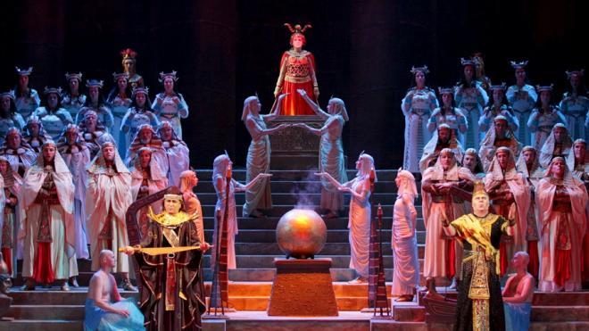 """Опера """"Аида"""" на сцене Мариинского театра"""