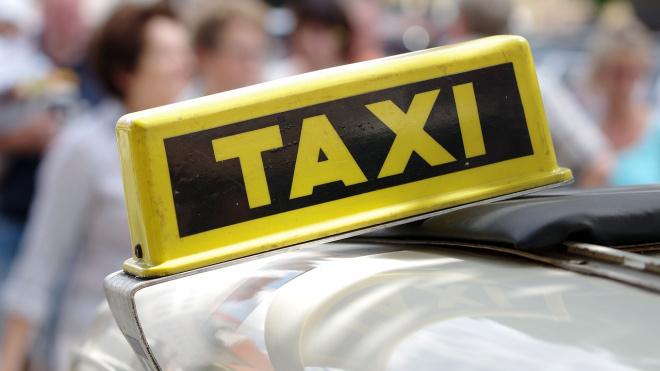"""Петербургское такси """"Сити-лайн"""" оштрафовали за работу без лицензии"""