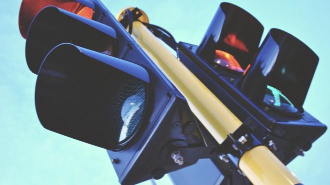 В Адмиралтейском районе у пяти светофоров появилось звуковое сопровождение