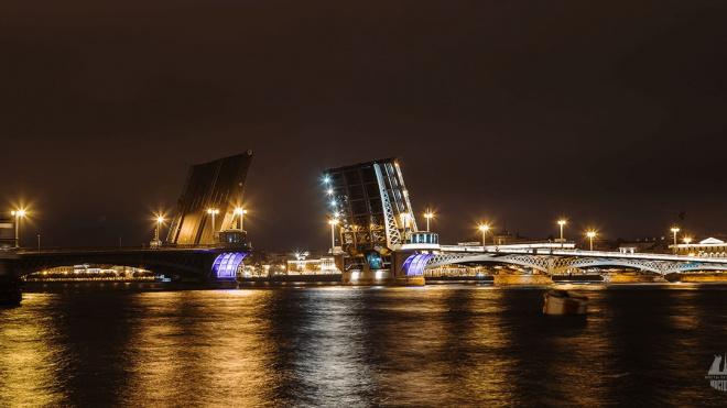 Первому разводному мосту в Петербурге 21 ноября исполнилось 169 лет