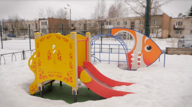 В 2020 году 302 детских и спортивных площадки получили современное освещение