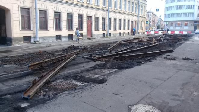 Градозащитники добились наказания для организации, демонтировавшей брусчатку в Дегтярном