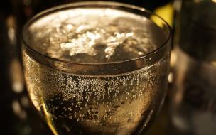 Петербуржец умер на глазах у дамы после пары алкогольных коктейлей в клубе