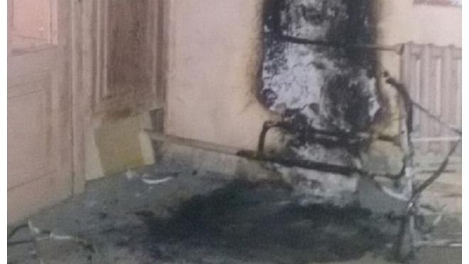 Коллектор-украинец спалил в Петербурге две детских коляски в парадных