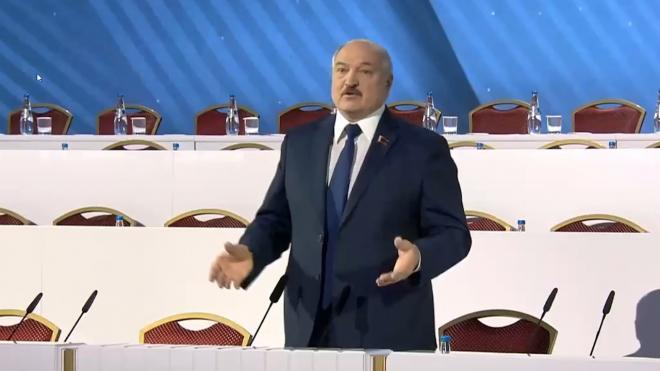Лукашенко заявил, что никакого трансфера власти в Белоруссии быть не может