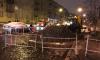У остановки общественного транспорта на улице Зайцева прорвало трубу