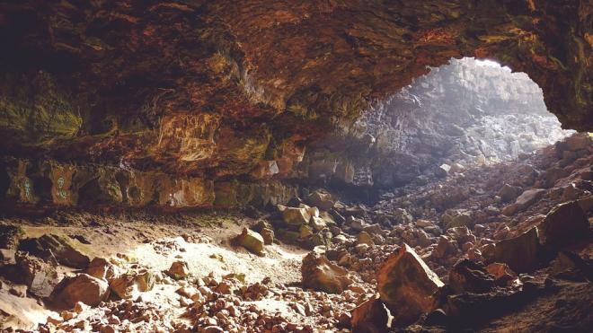 """В крымской пещере """"Таврида"""" найдены редкие минералы"""