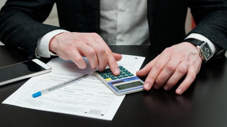 Задолженность жилкомсервисов перед РСО сократилась почти на 30%