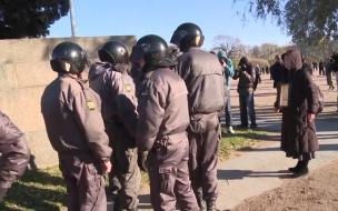 """В ТЦ """"Девяткино"""" грабители взорвали банкомат и со страха забыли на месте преступления рюкзак"""