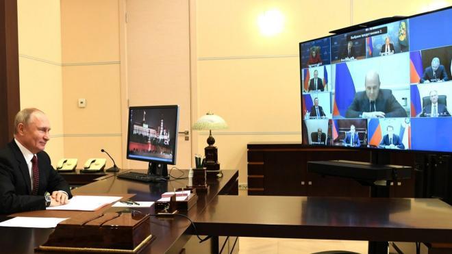"""Путин признался, что при просмотре российского телевидения иногда """"оторопь берет"""""""